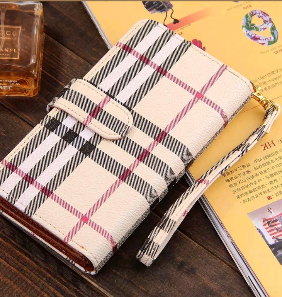 Plaid or Checkered Luxury Fashion Deluxe Leather Wallet Case